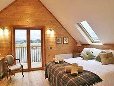 Gairlochy Bay Log Cabin, nr Fort William - Sleeps 6-8