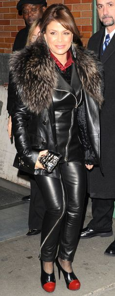 Black Leather Dresses, Black Faux Leather, Leder Outfits, Confident Woman, Leather Fashion, Women's Fashion, Sexy Outfits, Leather Pants, Celebrities