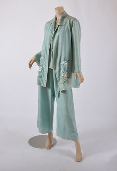 1920's Lounge Wear // Vintage Chinese Embroidered 20s Silk 3 pc Loungewear / Pajamas