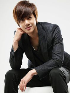 Kim Hyun Joong - Boys over Flowers, Playful Kiss and singer too