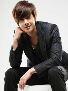 Kim Hyun Joong - Boys over Flowers, Playful Kiss and singer too