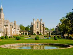 America's Most Beautiful College Campuses: Berry College: Mount Berry, GA I attended class here one summer. My son attended here his freshman year. The campus is absolutely beautiful.all year round! Georgia College, College Campus, College Life, Beautiful World, Beautiful Places, Most Beautiful, Atlanta Attractions, Berry College, Rome Georgia