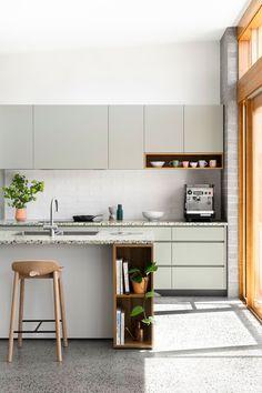 Home Decor Kitchen, Kitchen Interior, New Kitchen, Home Kitchens, Kitchen Dining, Kitchen Cabinets, Kitchen Ideas, Wall Cabinets, Custom Kitchens