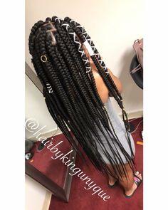 Effortless Side Braid - 30 Elegant French Braid Hairstyles - The Trending Hairstyle French Braid Hairstyles, Black Girl Braids, Braided Hairstyles For Black Women, African Braids Hairstyles, Braids For Black Hair, Weave Hairstyles, Rubber Band Box Braids, Loose Waves Hair, Wave Hair