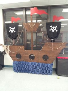 My awesome pirateship! My awesome pirateship! Deco Pirate, Pirate Decor, Pirate Crafts, Pirate Theme, Pirate Party Decorations, Pirate Halloween, Pirate Day, Pirate Birthday, Cardboard Pirate Ship