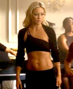 kate hudson and her six pack abs on glee.