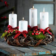 Julekranse! the tiny muchrooms on this one are so cute! Christmas Advent Wreath, Noel Christmas, Christmas Candles, Primitive Christmas, Scandinavian Christmas, Christmas Is Coming, Country Christmas, Winter Christmas, Christmas Crafts