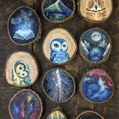 Tiny Paintings on Recycled Wood Pieces American artist Kimera Wachna quitted her office to open her online shop Gracemere Woods and sell her very beautiful creations made in collaboration with her partner Yuichi Watanabe. With a particular affinity to na Diy Wood Projects, Wood Crafts, Art Projects, Woodworking Projects, Mini Paintings, Wood Slices, Recycled Wood, Rock Art, Crafts To Sell