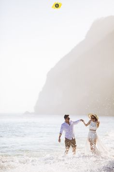 New Wedding Planning Pictures Brides 62 Ideas Wedding Planning Pictures, Pre Wedding Shoot Ideas, Beach Wedding Photos, Bridal Pictures, Pre Wedding Photoshoot, Wedding Poses, Wedding Ceremony, Wedding Beach, Prewedding Photoshoot Ideas