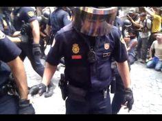 La cobarde policía reprime a los ciudadanos de Madrid