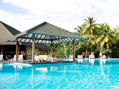 Among the finest resorts, Adaaran Select Meedhupparu offers tranquil settings brimming with luxury. Surrender your senses to the soothing atmosphere and experience opulence redefined. Settle into a holiday full of breathtaking experiences that will leave you with memories to last a lifetime.