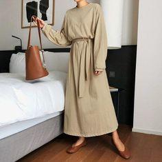 Modern sweaters for women / tops for women / knits for women / vintage mood sweaters / vintage blouse / vintage knit / mood - Viewiele Long Skirt Fashion, Modest Fashion, Fashion Outfits, Long Summer Dresses, Dress Long, Summer Maxi, Loose Fit, Mode Hijab, Blouse Vintage