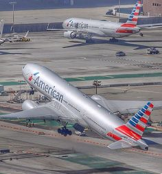 American Airlines Boeing 777 - by: Alan Kenny