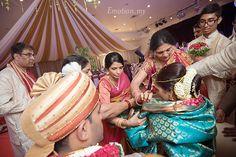 Ceylonese-Telugu Fusion Hindu Wedding and Reception http://www.emotioninpictures.com/ceylonese-telugu-fusion-hindu-wedding-and-reception-kartik-kavitha/