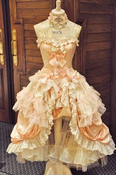 how great would this dress form look in my studio!