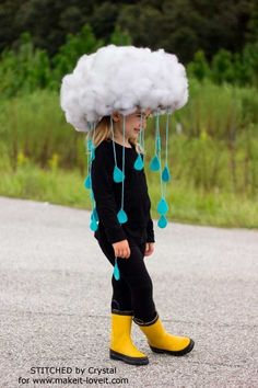Make a quick & easy RAIN CLOUD COSTUME…Diy kids dress up, would be great to make togehter. tha base is simply a hat! Make a quick & easy RAIN CLOUD COSTUME…Diy kids dress up, would be great to make togehter. tha base is simply a hat! Crazy Hat Day, Crazy Hats, Crazy Socks, Diy Halloween Costumes For Kids, Scary Halloween, Diy Costumes For Kids, Group Halloween, Zombie Costumes, Halloween Couples