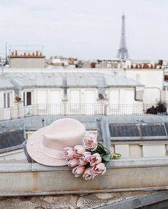 Image about travel in Parisian Dreams by 𝓈𝒶𝓂𝒶𝓃𝓉𝒽𝒶 𝓈𝑒𝓇𝑒𝓃𝒶 ✰ Parisian Chic Style, Parisian Cafe, Pink Paris, I Love Paris, Paris Paris, Paris In Spring, Spring Photography, Wall Collage, Pastel Colors