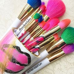 These brushes are so pretty. Awesome colors.