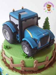 Tractor - cake by Sheila Laura Gallo Tractor Birthday Cakes, Farm Birthday, Tractor Cakes, Fondant Cakes, Cupcake Cakes, Cupcakes, Transportation Birthday, Mini Tortillas, Farm Cake