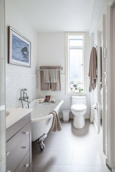 Before & After: Stefanie's Own Little Sanctuary Bathroom — The Big Reveal Room Makeover Contest 2015 | Apartment Therapy
