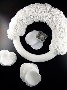 diy project: kristen's ruffly felt wreath | Design*Sponge