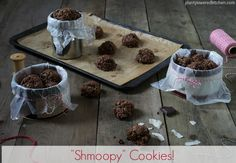 Oh Shmoopy! Show your shmoopy some baking love with these vegan, gluten-free, oil-free Shmoopy Cookies! Vegan Sweets, Vegan Desserts, Delicious Desserts, Vegan Recipes, Vegan Food, Healthy Sweets, Healthy Snacks, Healthy Cookies, Cookies Vegan