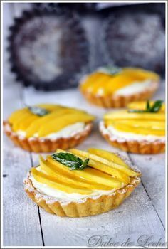 Dulce de Leche: Mangové tartaletky s krémom z kokosu a bielej čokolády Mini Tart, Something Sweet, Mini Cakes, Creative Food, No Bake Cake, How To Make Cake, Cheesecake, Food And Drink, Sweets