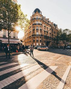 Travel, Cafe Racers and Fashion. Come with me on an adventure. Tour Eiffel, The Places Youll Go, Places To See, Tuileries Paris, Paris By Night, Rivers And Roads, My Little Paris, Romantic Paris, Wanderlust