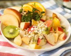 Salade de fruits au son de blé : http://www.fourchette-et-bikini.fr/recettes/recettes-minceur/salade-de-fruits-au-son-de-ble.html