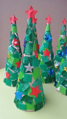 Latest Absolutely Free preschool crafts christmas Tips This page has SO MANY Kids crafts that happen to be ideal for Toddler as well as Youngsters. I believed it was occasio Kids Crafts, Preschool Christmas Crafts, Christmas Tree Crafts, Winter Crafts For Kids, Christmas Activities, Simple Christmas, Christmas Projects, Kids Christmas, Holiday Crafts