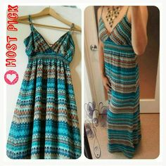 🎊HP🎀Striped maxi dress Gorgeous multi colors striped maxi dress. Totally like new!!! only worn once. Very comfortable with lining and lightweight. 100% Polyester. Tag as size M, but it fits small and medium. Stretchy and adjustable shoulder straps. Future State Dresses Maxi
