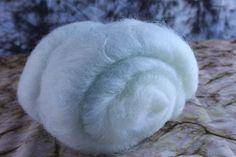 Luthvarian Fiber Arts - Country Snow Batt Giveaway at http://phatfiber.blogspot.com
