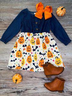 Halloween Denim Kleid - New Ideas Cute Baby Girl, Baby Love, Cute Babies, Baby Kids, Baby Girl Fashion, Toddler Fashion, Kids Fashion, Halloween Dress, Baby Halloween Outfits