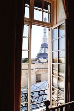 { Parisian Views }