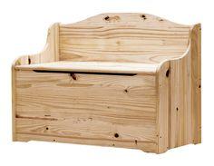 Baúl de madera de pino macizo natural con respaldo a modo de banco y una capacidad de 170 litros. Medidas: 62 x 90 x 40 cm (alto x ancho x fondo).