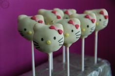 Hello Kitty Cake Pops | MakeUrCake