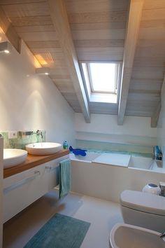 Baranzoni Architetti Srl: studio di architettura Bologna Attic Shower, Rustic Bathroom Designs, Terrazzo, Bedroom Wall, Architecture Details, Sweet Home, New Homes, House Design, Home Decor