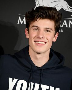 Just got his youth hoodie and shirt ❤ shawn mendes tour, shawn mendes wallpaper Shawn Mendes Tour, Shawn Mendes Quotes, Shawn Mendes Imagines, Shawn Mendes Snapchat, Shawn Mendes Lockscreen, Shawn Mendes Wallpaper, Shawn Mendes Camila Cabello, Mendes Army, Magcon Boys