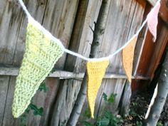 Sarahndipities ~ fortunate handmade finds: Things to Make: Crochet Pennant Bunting Pattern