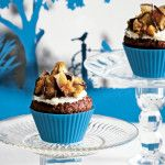 Gingerbread cupcakes with a honeycomb topping