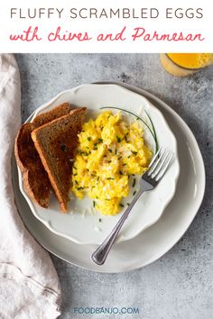 This recipe for fluffy scrambled eggs is topped with chives and freshly grated Parmesan cheese. They are delicious and so easy to make for breakfast. #scrambledeggs #fluffyeggs Waffle Recipes, Donut Recipes, Sausage Recipes, Egg Recipes, Protein Rich Breakfast, Easy Healthy Breakfast, Fluffy Scrambled Eggs, Delicious Breakfast Recipes, Biscuit Recipe