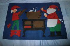 Jul Duk Retro m Tomtar av Jerry Roupe/Nästan Nytt skick Textiles, Retro, Sweden, Kids Rugs, Design, Home Decor, Decoration Home, Kid Friendly Rugs, Room Decor