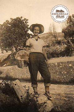 Lady working in her garden wearing espadrilles (1950s)