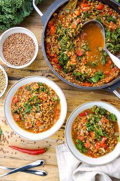 Vegetarische Linsen Chili Rezept mit Grünkern, Grünkohl und Paprika. Vegetarische