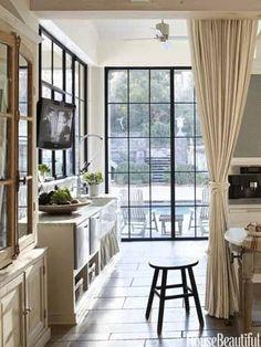 Black steel  glass casement windows - slide 1 | House Beautiful...