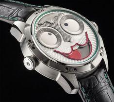Um Coringa que mostra as horas