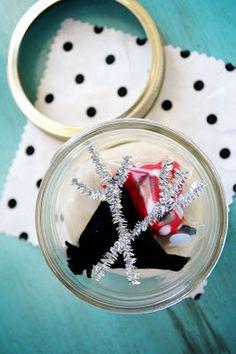 Play Dough Snowman Kit. Super cute idea.