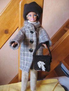 Encore une tenue complète pour la miss. Cette fois ci elle est de saison. Seul, le manteau est un peu délicat à faire, si vous le souhaitez, je vous ferai un article sur les boutonnières bien détaillé la prochaine fois , il suffit de le demander dans...