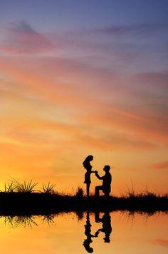 sunset proposal   we ❤ this!  moncheribridals.com  #engagementphotos #savethedatephotos