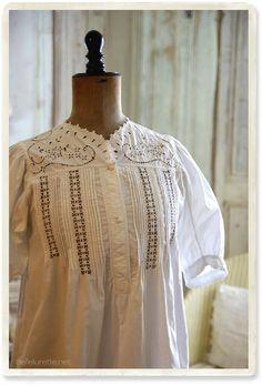 フランスカットワーク刺繍ワンピース - 【Belle Lurette】ヨーロッパ フランス アンティークレース リネン服の通販